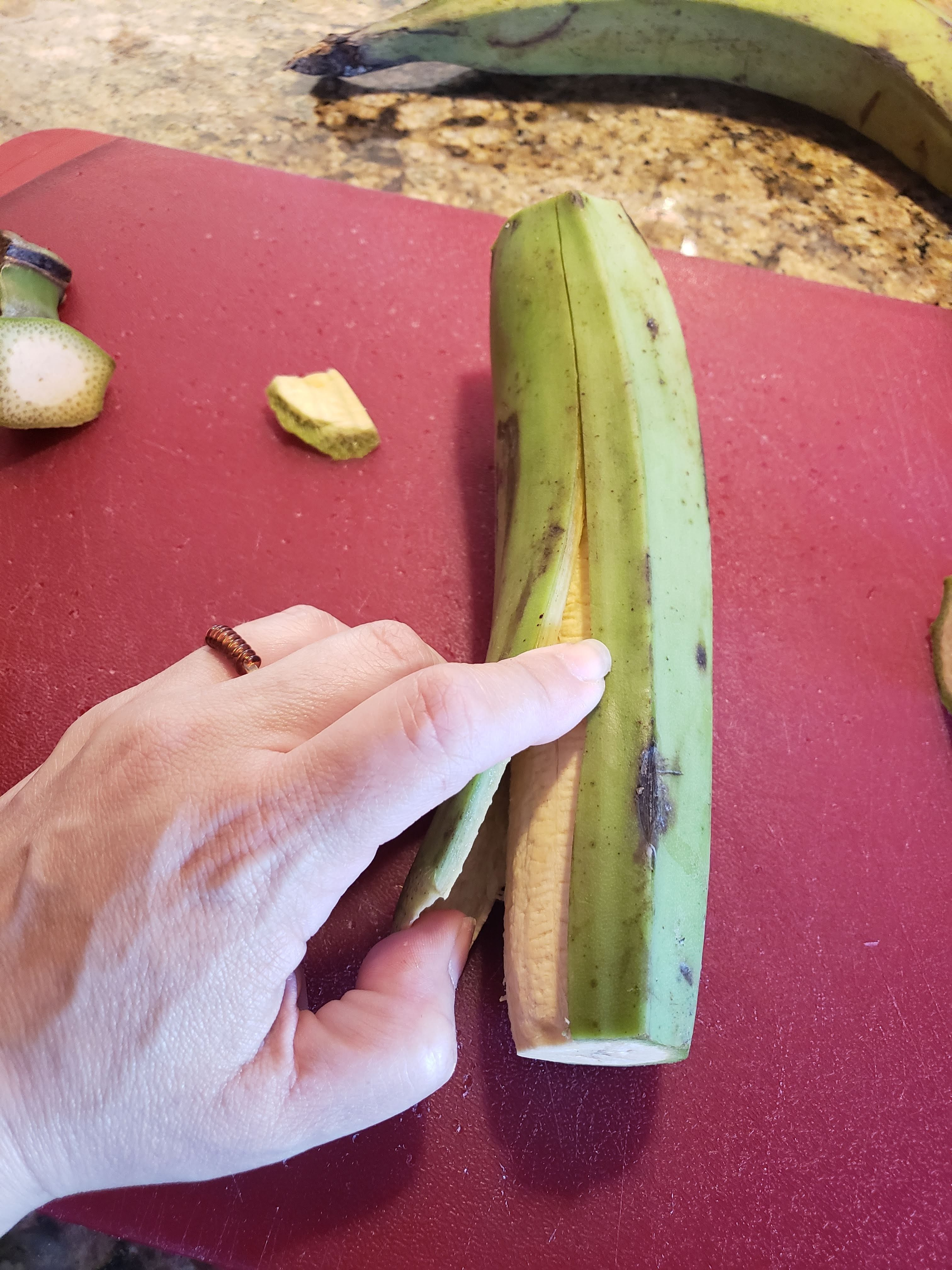 how to peel plaintains